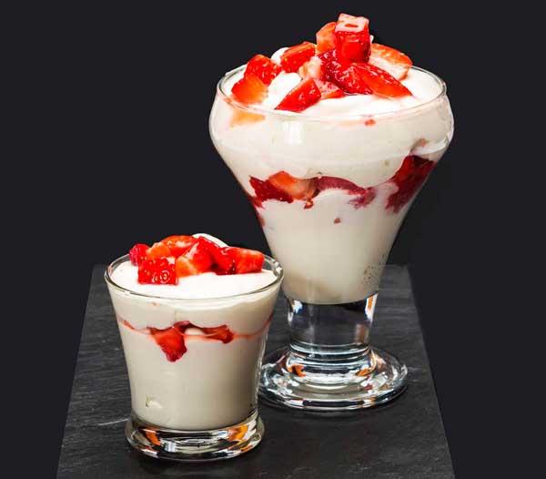 fresas con nata restaurant es canyis puerto soller