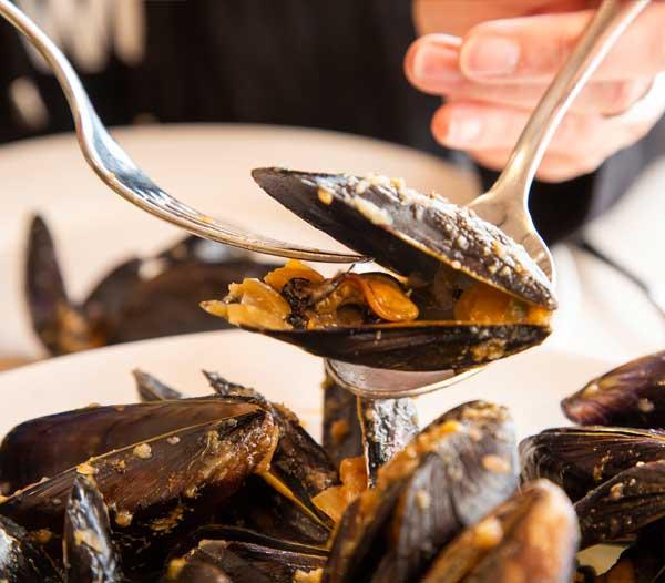 mejillones restaurant es canyis puerto soller