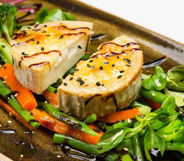 queso cabra gratinado entrante restaurant es canyis